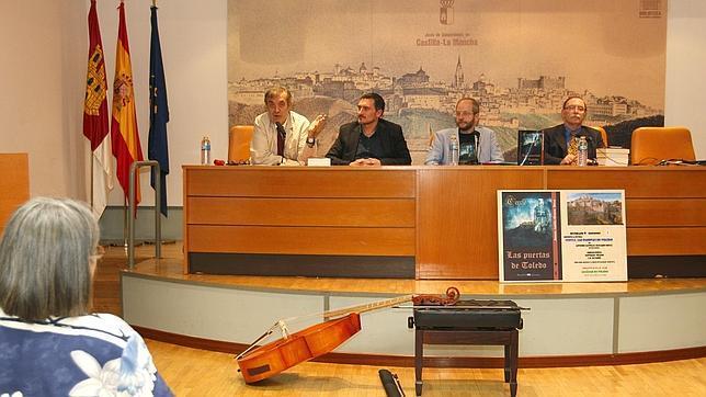 Presentación de la novela «Las puertas de Toledo» en la Biblioteca del Alcázar