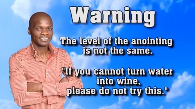 Imagen del vídeo en la web Youtube del pastor Lesego Daniel