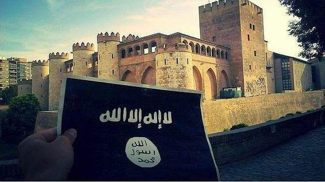 Símbolo del Estado Islámico frente a la Aljafería de Zaragoza