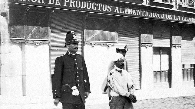 Gervasio Manuel Sánchez Nieto, asesino de Cuatro Caminos, en el momento de ser conducido a la cárcel en 1911