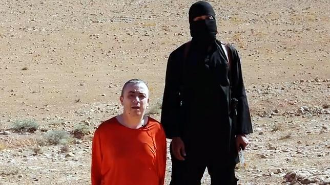 Un fotograma del vídeo en dónde se muestra la decapitación de Henning
