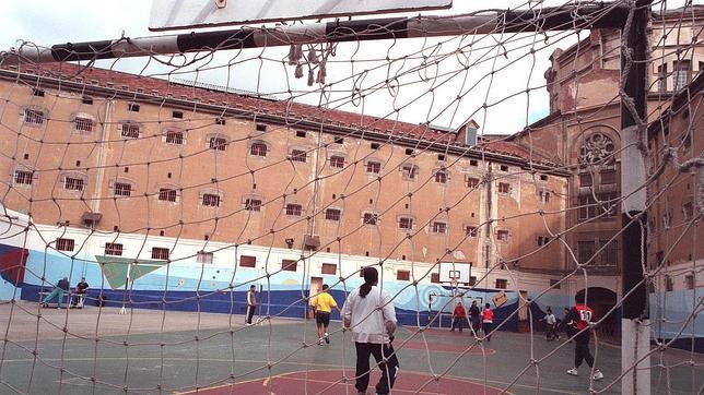 Funcionarios de prisiones abortan intento de fuga de un interno de La Modelo