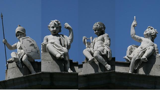 Sobre la Puerta de Alcalá se alzan cuatro esculturas infantiles