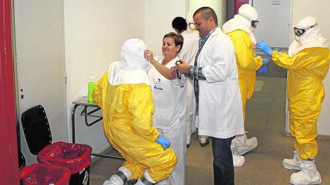 ¿Cómo pudo contagiarse por ébola la enfermera que atendió a García Viejo?