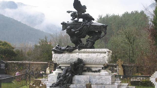Mausoleo de Julián Gayarre, en Roncal