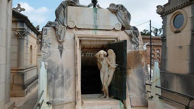 Escultura de Mariano Belliure, en el panteón de la familia Moróder
