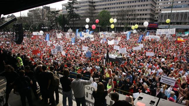 Manifestación de afectados por la estafa del Fórum Filatélico en 2007