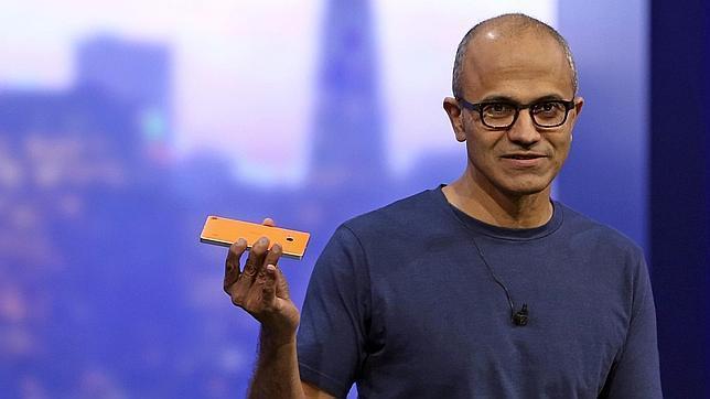 Nadella durante una conferencia de desarrolladores