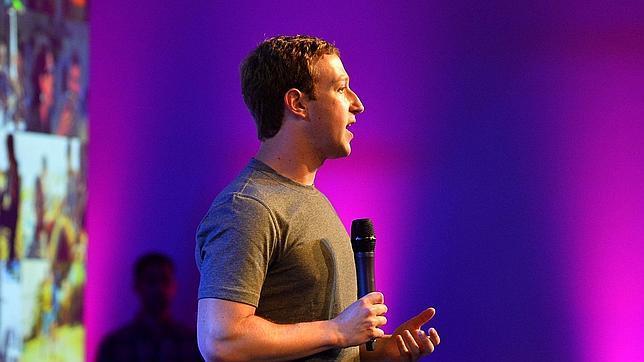 Zuckerberg durante una conferencia en India