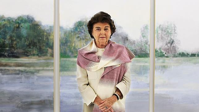 Carmen Laffón, junto a una de sus obras en el Centro Andaluz de Arte Contemporáneo