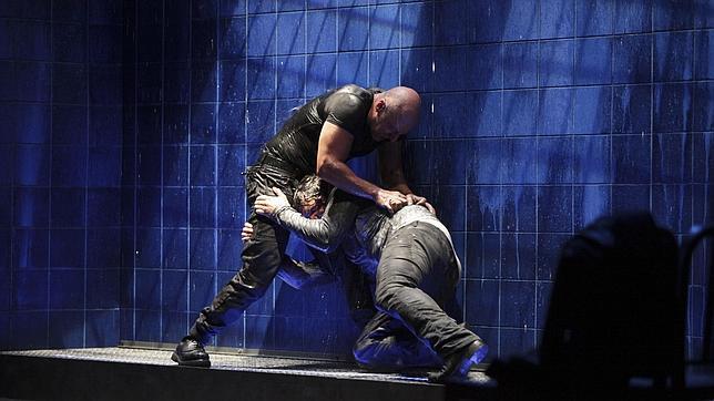 Roberto Álamo y Sergio Peris-Mencheta, en una escena de la obra