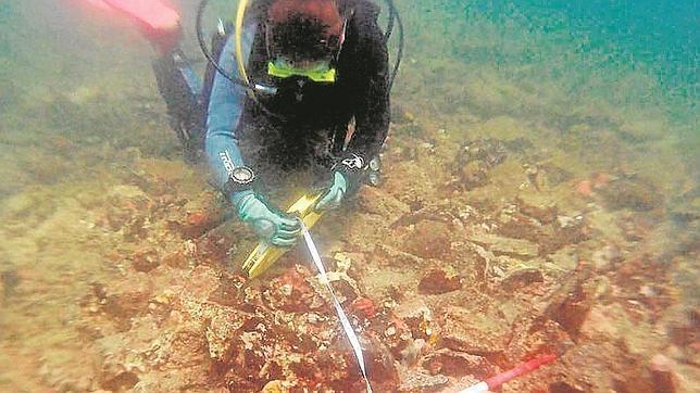 La arqueóloga de Unesco Tatiana Villegas, realiza trabajos arqueológicos sobre el yacimiento que Clifford pretendía excavar en exclusiva