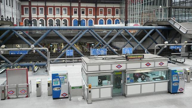 El vestíbulo de la estación de Príncipe Pío tendrá un punto de recogida de paquetes