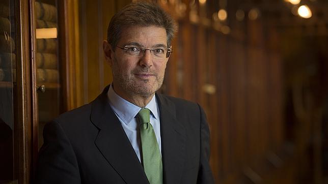El Ministro de Justicia, Rafael Catalá, posa para la entrevista con ABC