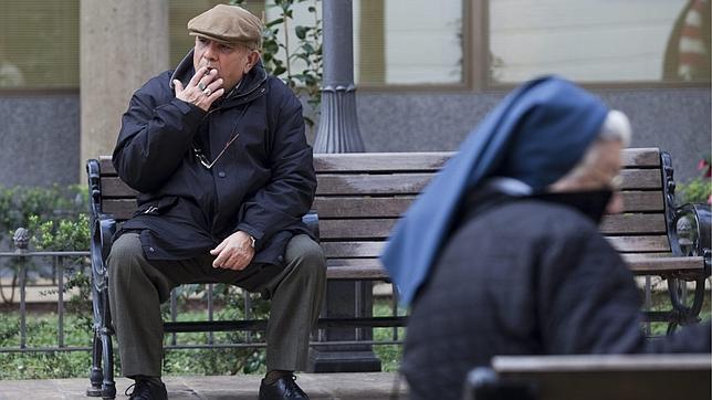 Dentro de poco podría ser difícil ver a alguien fumando en los parques londinenses
