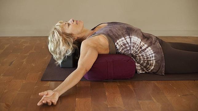 Yoga y pilates figuran entre las actividades más recomendables para mejorar el tono muscular, las articulaciones, la respiración y el control mental