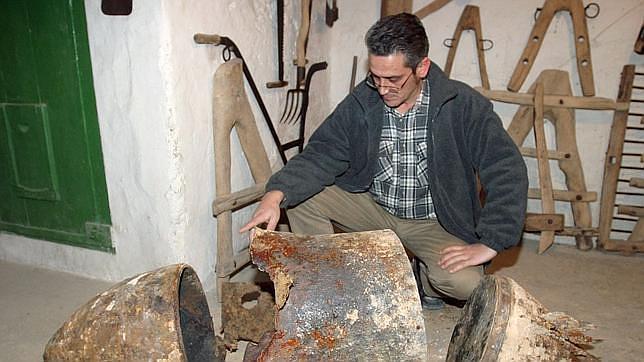 Hereda una casa y al abrirla halla 83 cartuchos de dinamita de la Guerra Civil