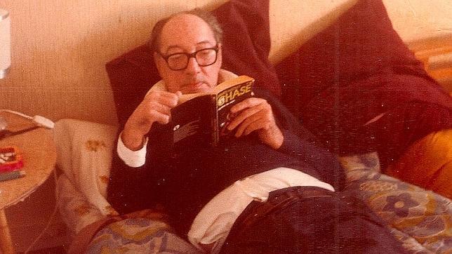 Juan Carlos Onetti, en una imagen inédita tomada por Dolly Onetti en Madrid, en 1980