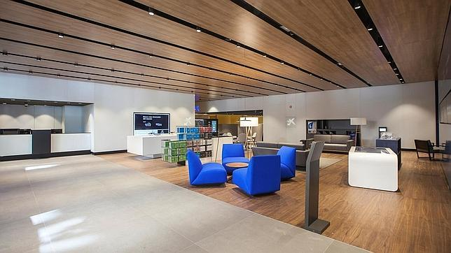 Caixabank estrena nuevo modelo de oficinas for Oficinas cajasol sevilla