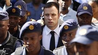 Cinco a�os de prisi�n para Pistorius por matar a su novia