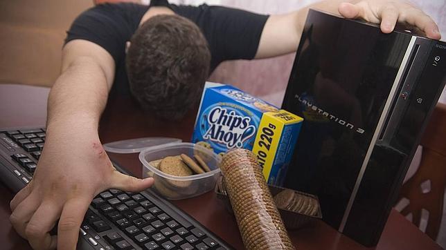 La adicción a internet, videojuegos... puede llegar a generar violencia en los adolescentes