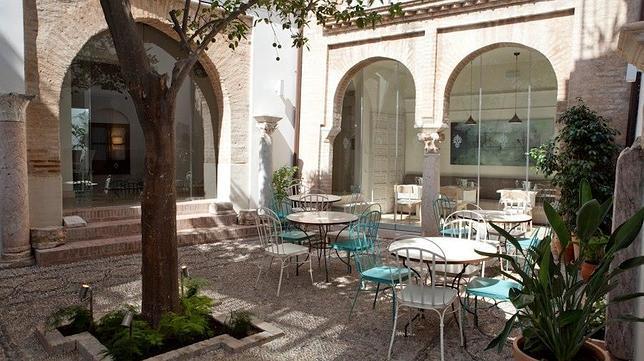 Diez hoteles con patio y mucho encanto en c rdoba - Hoteles con encanto en tarifa ...