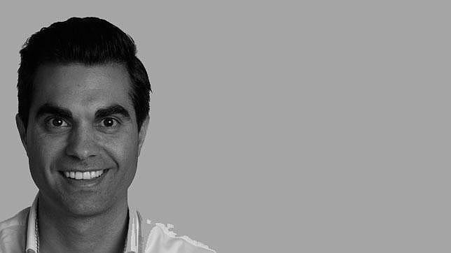Rubén Cañizares: «La bufanda en el periodismo deportivo español es..