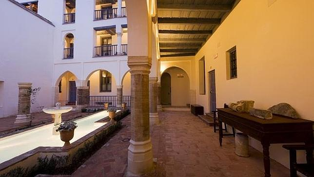 Diez hoteles con patio y mucho encanto en c rdoba for Inmobiliarias cordoba