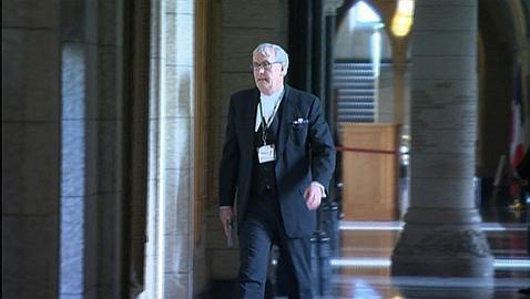 Kevin Vickers, instantes después de haber abatido al terrorista en el Parlamento de Ottawa