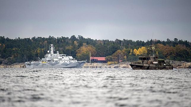 Buques suecos que participaban el pasado día 21 en la búsqueda del supuesto submarino espía ruso