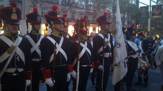 Pólvora en las calles de Madrid para celebrar el final de la Guerra de Independencia