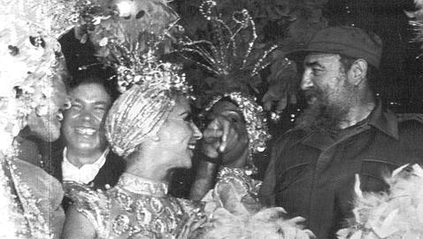 A Fidel Castro ninguna mujer le duró tanto en la cama como su kalashnikov