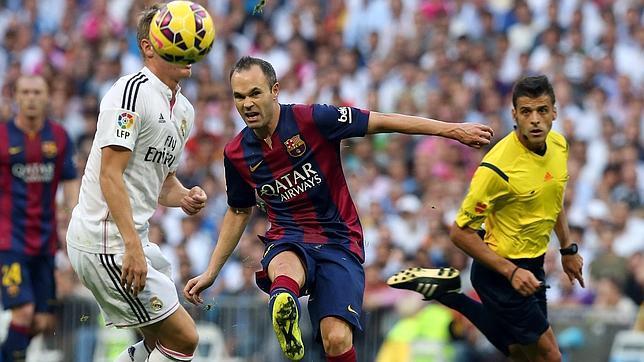 Lesión de Iniesta en el Bernabéu