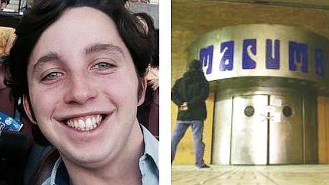 El joven, acusado de usurpación y estafa, junto a la sala cerrada