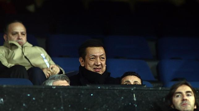 Peter Lim cierra la compra del 70% del Valencia