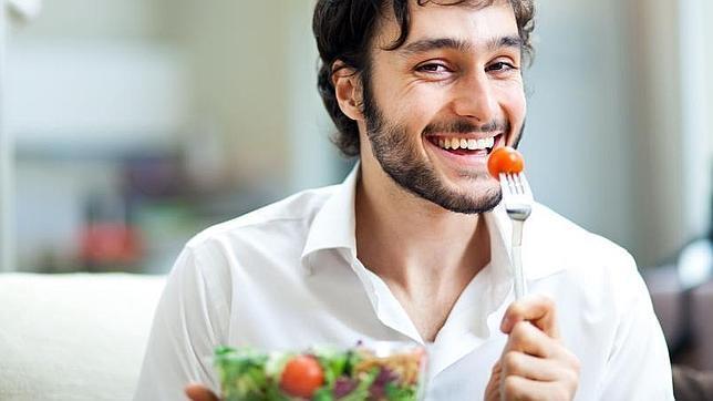 Los tomates, ricos en licopeno, son un buen aliado para prevenir el cáncer de próstata
