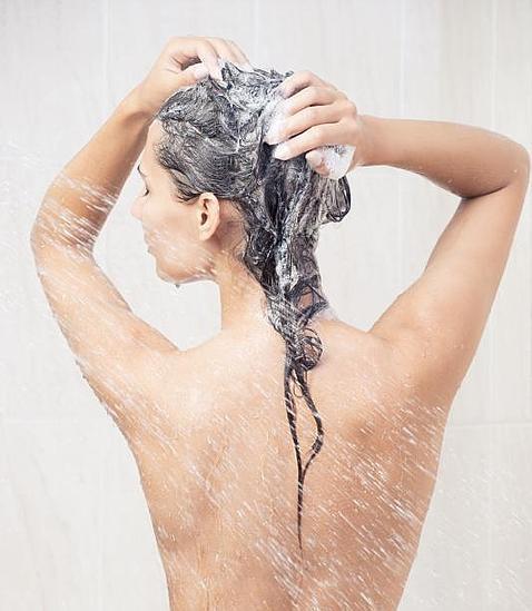 ¿Cada cuánto tiempo conviene lavarse el pelo?