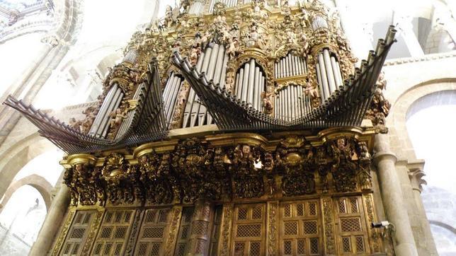 Imagen del órgano de la Catedral de Santiago de Compostela