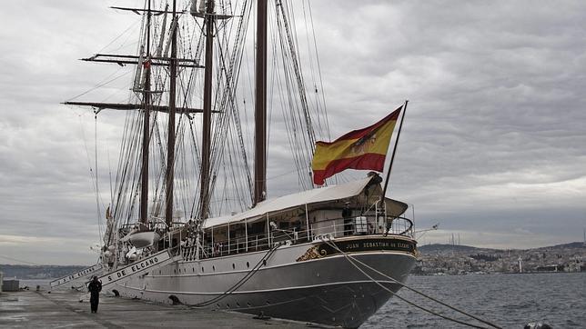 Detenidos otros dos tripulantes del Juan Sebastián Elcano por tráfico de drogas