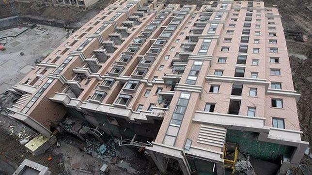 Cae-edificio-en-china--644x362