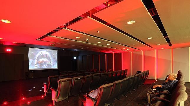 El cine con el que cuenta el aeroùerto de Changi