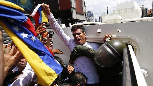 Torturan con excrementos y orina a Leopoldo López y otros presos políticos
