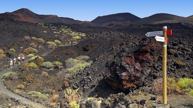 El paisaje árido de la ruta entre volcanes