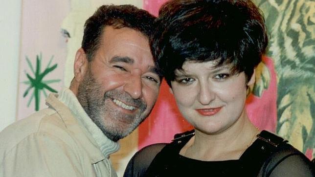 Dionisio Cañas y Patricia Gadea en una imagen de 2001 del archivo del poeta que ahora ve la luz