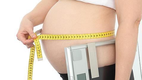Los expertos aconsejan a las madres a controlar su peso