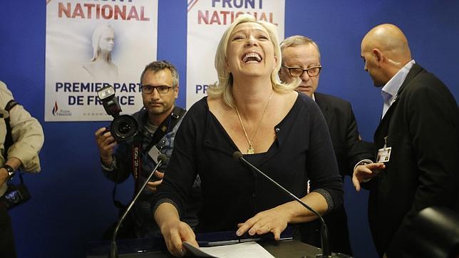 Marine Le Pen, en la sede de su partido en Nanterre, durante la noche de las pasadas elecciones europeas