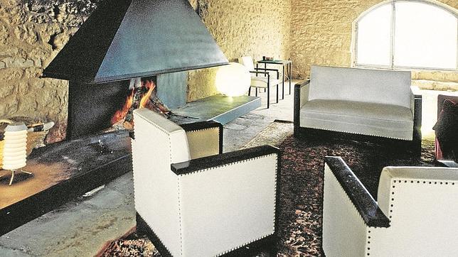 Hoteles y casas rurales con chimenea calor de hogar for Hoteles con chimenea