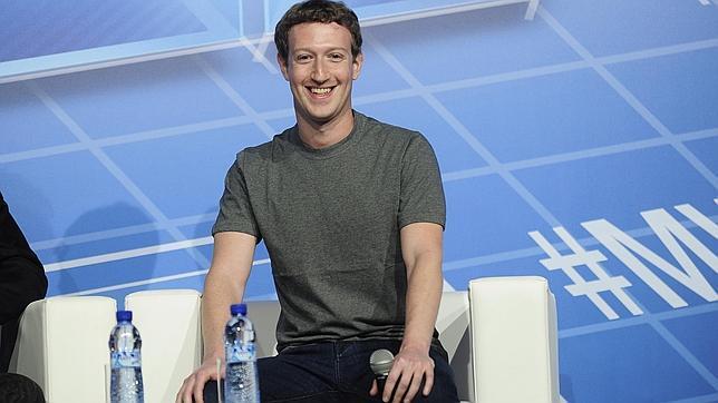 ¿Por qué Facebook ha separado de su aplicación para móviles el servicio de mensajería?