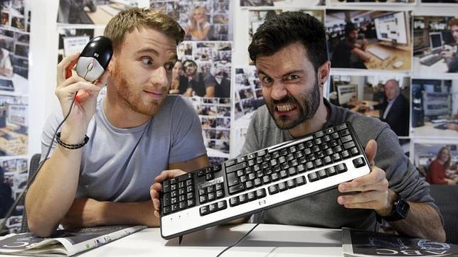 Los actores Ramon Pujol y Aitor Merino, protagonistas de Smiley, en ABC.es