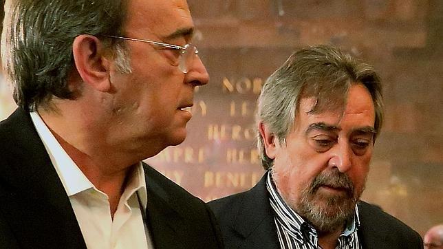 Juan Alberto Belloch (derecha), junto a su teniente de alcalde y nuevo cabeza de lista para las elecciones de mayo, Carlos Pérez Anadón